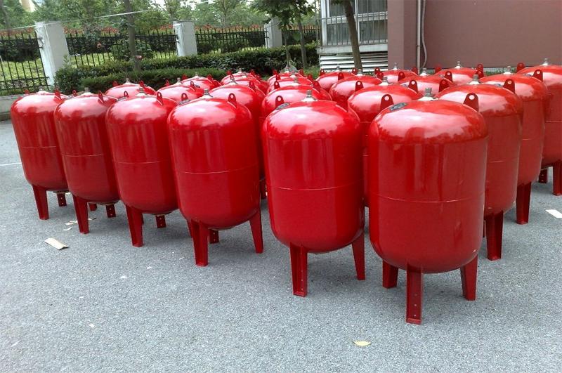 Bình tích áp là gì? Công dụng của bình tích áp trong hệ thống bơm nước